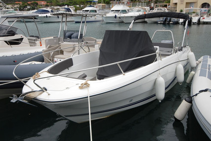 Jeanneau Cap Camarat 7.5 Cc for sale in France for €51,700 (£47,215)