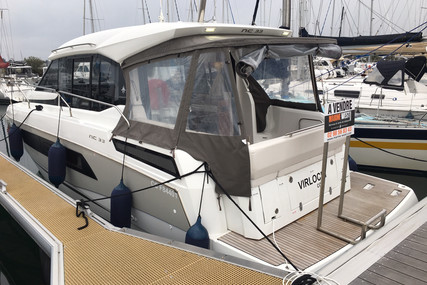 Jeanneau NC 33 for sale in France for €229,000 (£207,546)