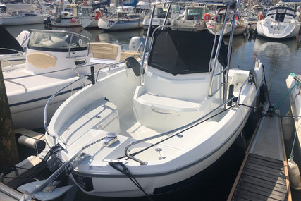Beneteau Flyer 6.6 Spacedeck for sale in France for €48,000 (£43,836)