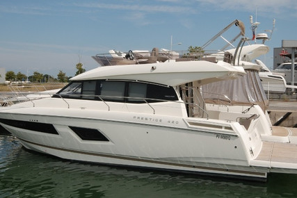 Prestige 420 for sale in France for €359,000 (£327,191)