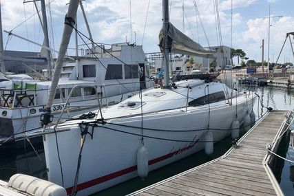 Jeanneau Sun Fast 3200 for sale in France for €99,400 (£85,611)