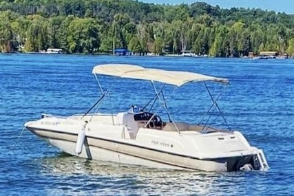 Four Winns 214 Candia FS Limited for sale in United States of America for $17,250 (£12,388)