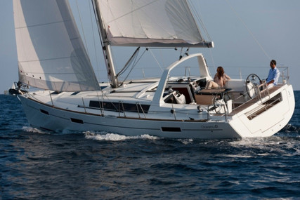 Beneteau Oceanis 41 for sale in Spain for €136,000 (£124,202)