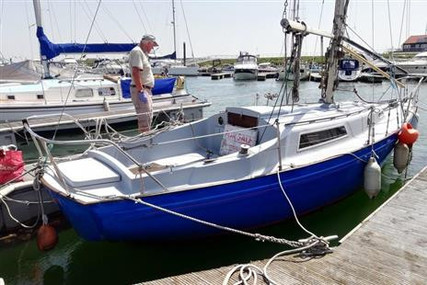Cutlass 27 for sale in United Kingdom for £3,500
