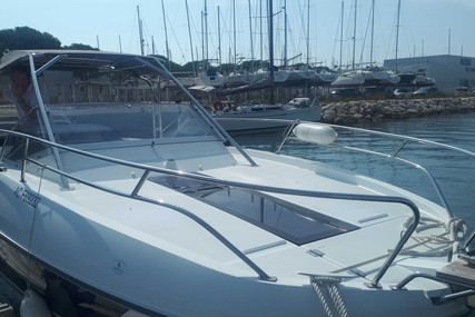 Beneteau Flyer 8.8 Sundeck for sale in France for €89,000 (£76,367)