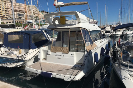 Jeanneau Velasco 37 F for sale in France for €215,000 (£196,349)