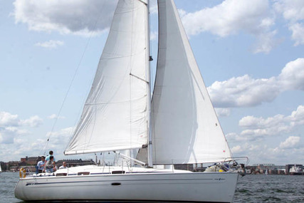 Bavaria Yachts Cruiser 37 for charter in Sweden from €2,100 / week