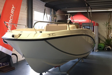Quicksilver 555 Activ for sale in France for €27,800 (£25,388)
