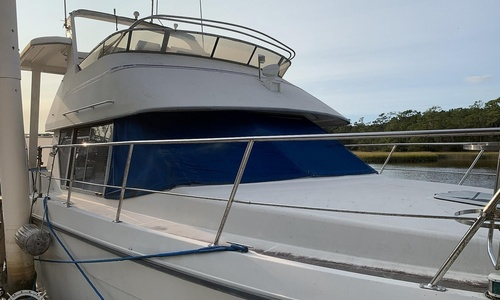 Image of Carver Yachts 390 Aft Cabin for sale in United States of America for $28,000 (£20,137) Hampstead, North Carolina, United States of America