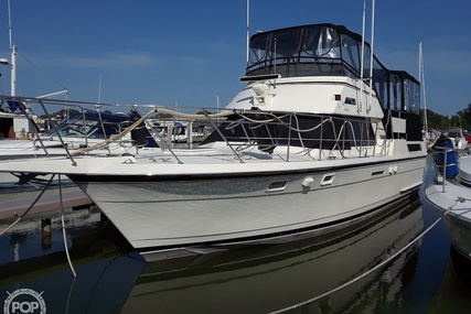 Hatteras 40 Dual Cabin Motor Yacht for sale in United States of America for $111,000 (£79,526)
