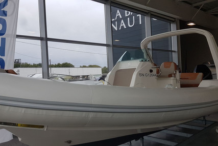 Zodiac MEDLINE 750 for sale in France for €69,000 (£61,321)