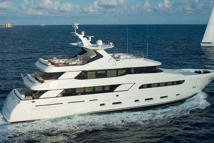 FNM 40m for sale in France for €10,995,000 (£9,505,161)
