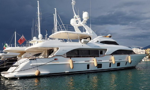 Image of Benetti Tradition105 for sale in Italy for €4,900,000 (£4,252,623) Mediterranean , Italy