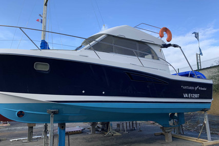 Beneteau Antares 9 for sale in France for €58,500 (£53,425)