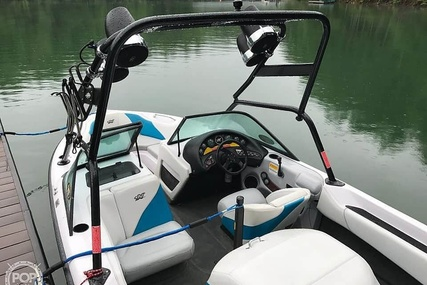 Correct Craft 210 Super Air Nautique for sale in United States of America for $24,750 (£19,190)