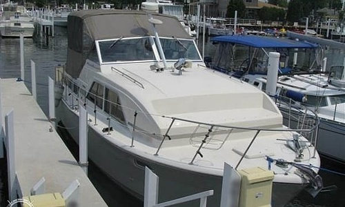 Image of Chris-Craft 350 Catalina for sale in United States of America for $39,950 (£28,683) Michigan City, Indiana, United States of America