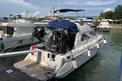 Sealine 320 for sale in Italy for €42,000 (£36,322)