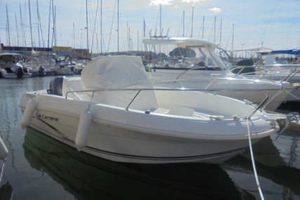 Jeanneau Cap Camarat 5.1 CC for sale in France for €17,500 (£15,588)