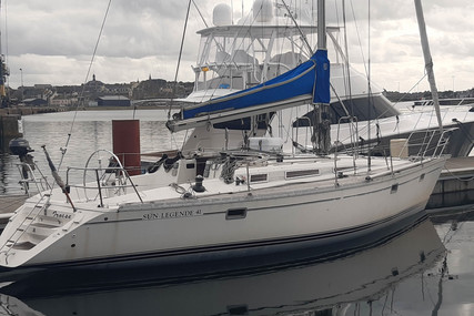 Jeanneau Sun Legende 41 for sale in France for €46,000 (£42,010)