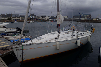 Beneteau Oceanis 351 for sale in France for €46,000 (£39,740)
