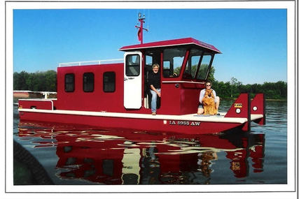 Custom 28' Pleasure/Tug/Tow for sale in United States of America for $50,000 (£38,768)