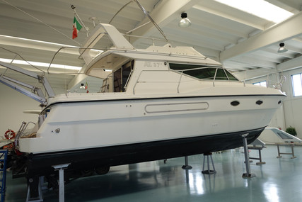 Azimut Yachts 37 for sale in Italy for €60,000 (£54,795)