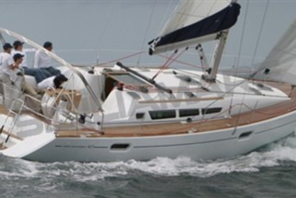 Jeanneau Sun Odyssey 42i for sale in Italy for €69,000 (£62,010)