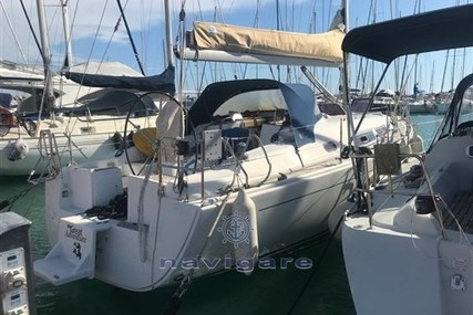 Hanse 370E for sale in Italy for €77,000 (£70,320)