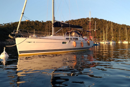 Jeanneau Sun Odyssey 39i for sale in France for €95,000 (£84,385)