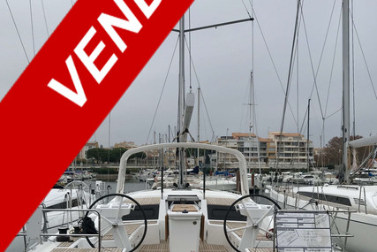 Beneteau Oceanis 461 for sale in France for €288,360 (£263,345)