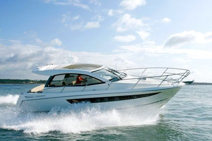Jeanneau Leader 10 for sale in France for €132,000 (£117,583)