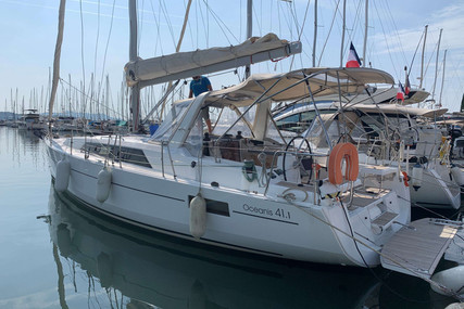 Beneteau Oceanis 41.1 for sale in France for €205,000 (£187,216)