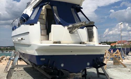Image of Azimut Yachts 42 for sale in Croatia for €145,000 (£125,843) Croatia