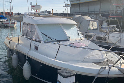 Jeanneau Merry Fisher 725 for sale in Portugal for €40,000 (£35,404)