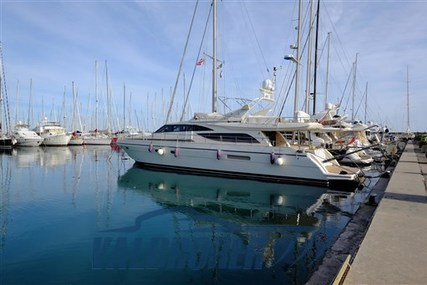 Couach 22 for sale in Italy for €320,000 (£292,240)