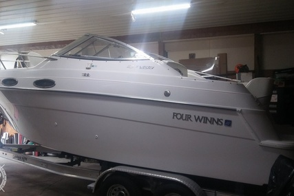 Four Winns 238 Vista Cruiser for sale in United States of America for $18,500 (£13,579)