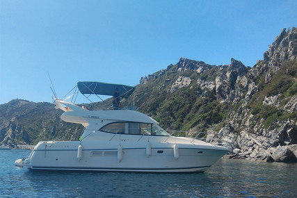 Prestige 36 for sale in France for €103,000 (£94,065)