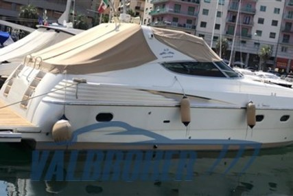 Cantieri di Sarnico 45 for sale in Italy for €160,000 (£146,120)