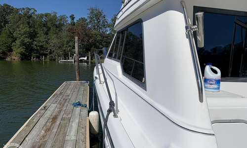 Image of Bayliner 3388 Sedan for sale in United States of America for $47,500 (£34,211) Reedville, Virginia, United States of America
