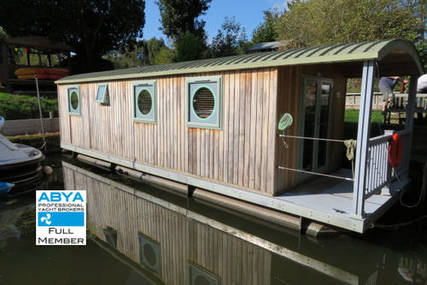 Houseboat River Pod for sale in United Kingdom for £97,500
