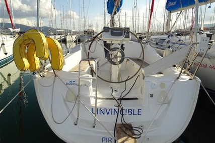 Jeanneau Sun Odyssey 32i for sale in Greece for €33,000 (£29,362)