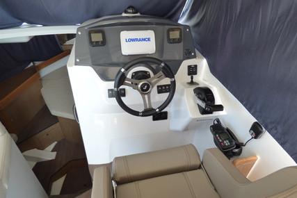 Beneteau Antares 880 HB for sale in France for €58,000 (£52,969)