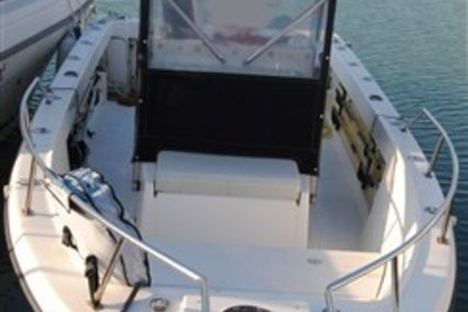 Pursuit 2200 for sale in Italy for €27,000 (£24,658)