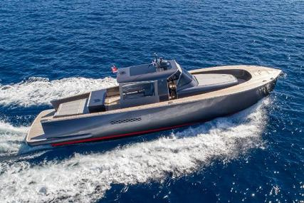 Alen 55 for sale in Italy for €899,950 (£800,817)