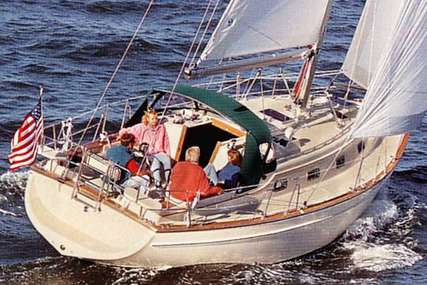 Island Packet 350 for sale in Spain for 99 000 € (87 982 £)