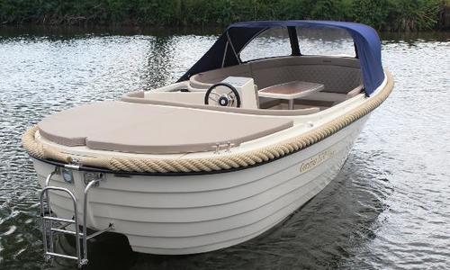 Image of Corsiva 570 for sale in United Kingdom for £15,300 Wargrave, United Kingdom