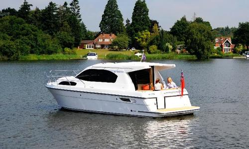 Image of Haines 32 Sedan for sale in United Kingdom for £199,500 Wargrave, United Kingdom