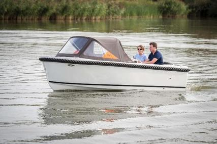 Maxima 490 for sale in United Kingdom for £8,050