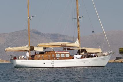 Viudes Ketch for sale in France for €460,000 (£396,012)