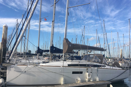 Jeanneau Sun Odyssey 349 for sale in France for €109,000 (£99,544)